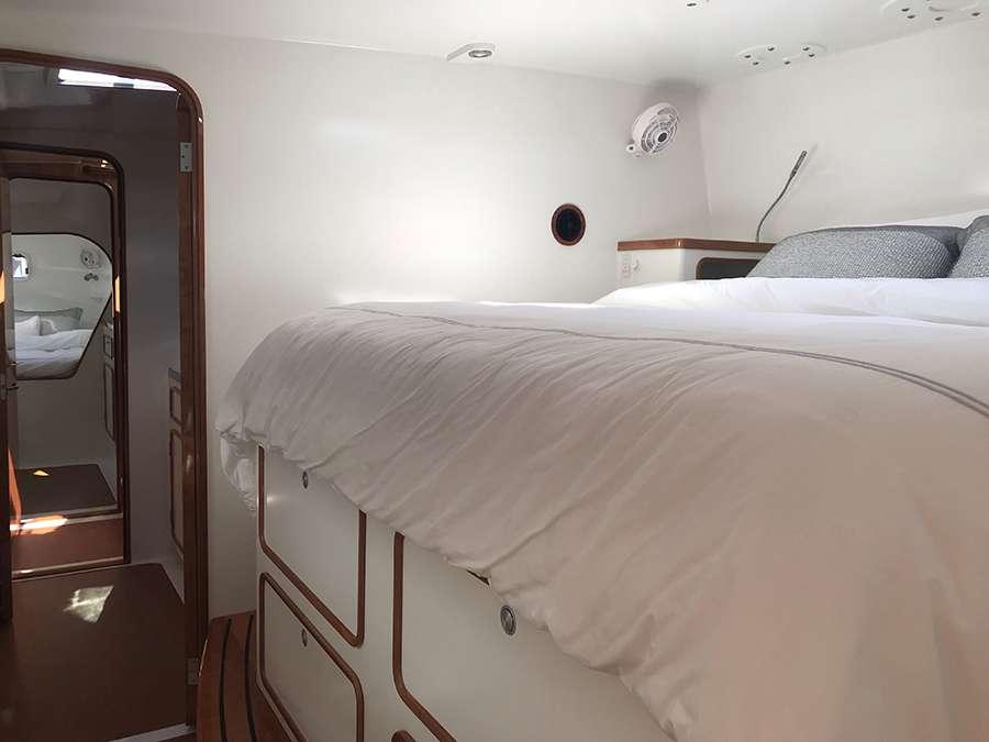 Forward queen guest suite