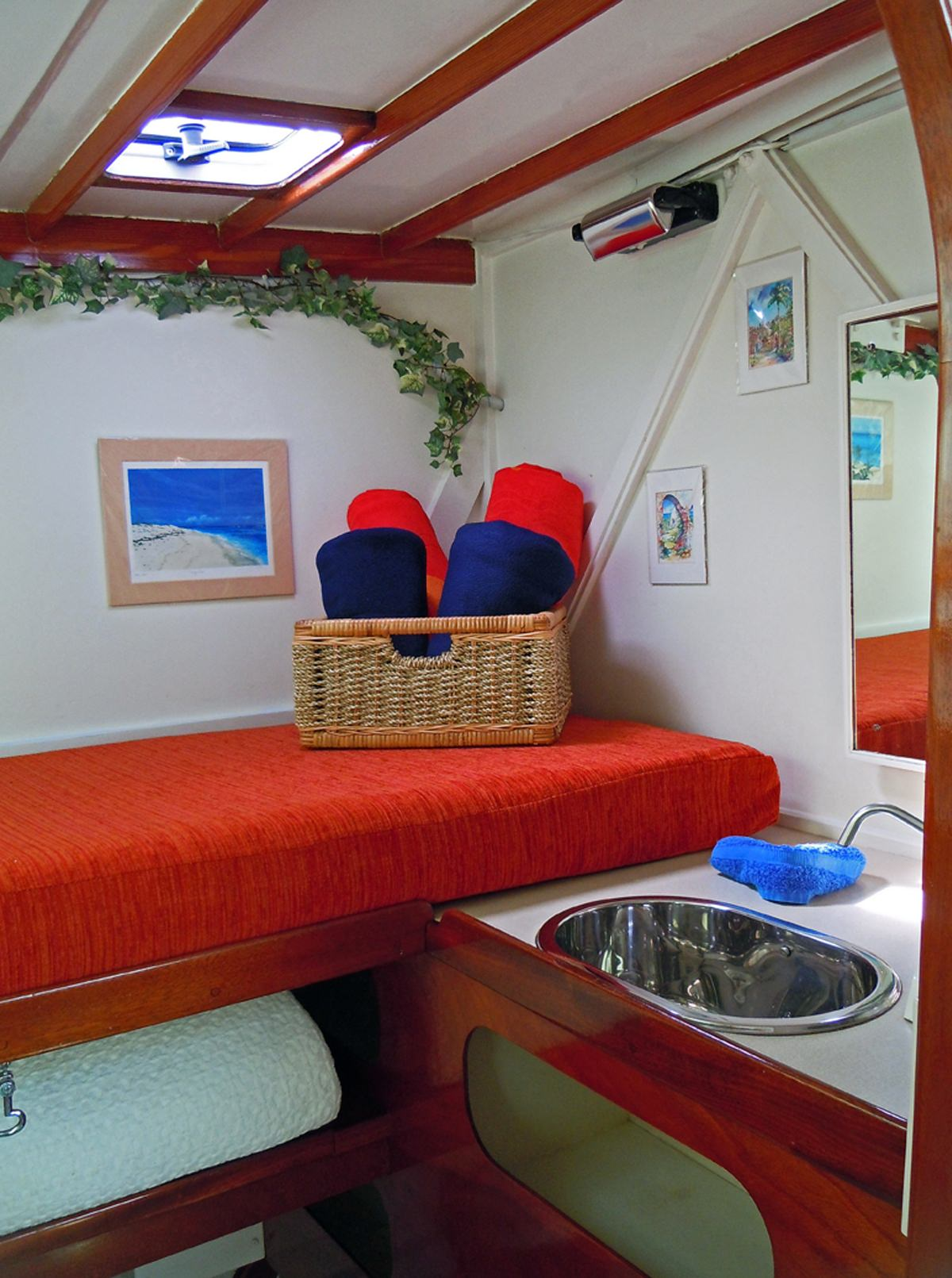 Master Cabin sink and berth/storage