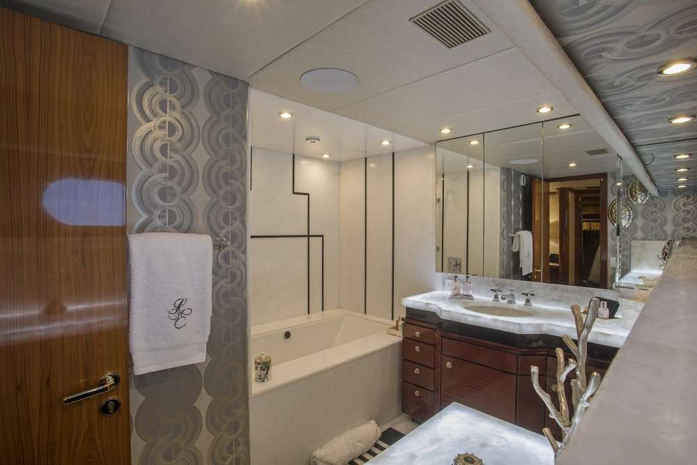 Master Bath with Jacuzzi for Her