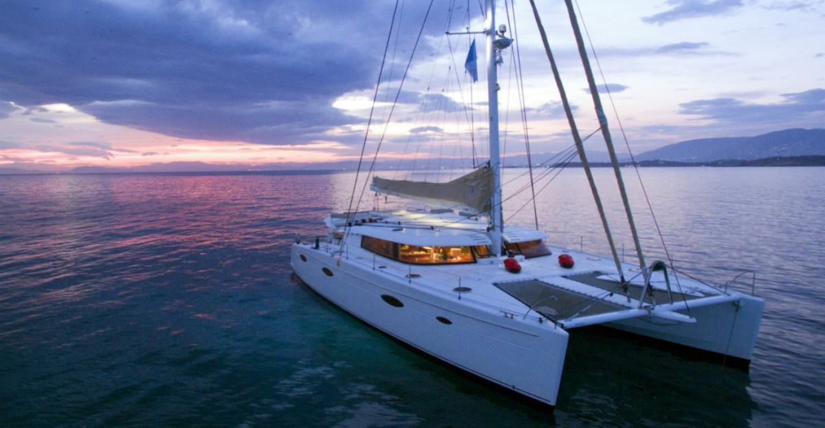 Catamaran Charter World
