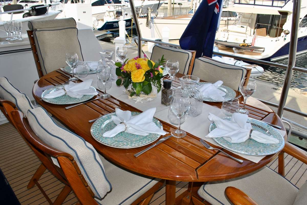 Flybridge seating for a crowd