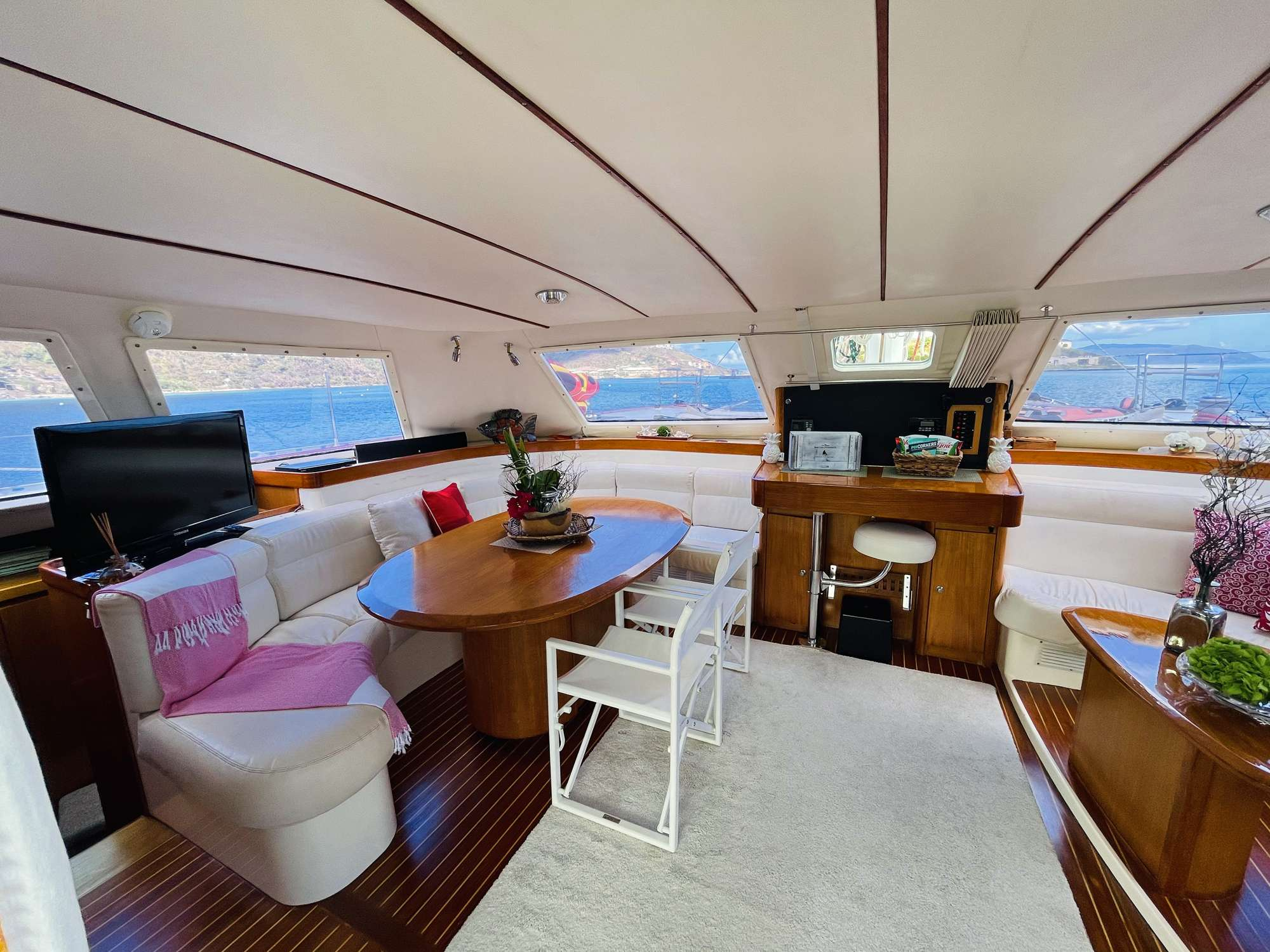 Yacht charter Vision