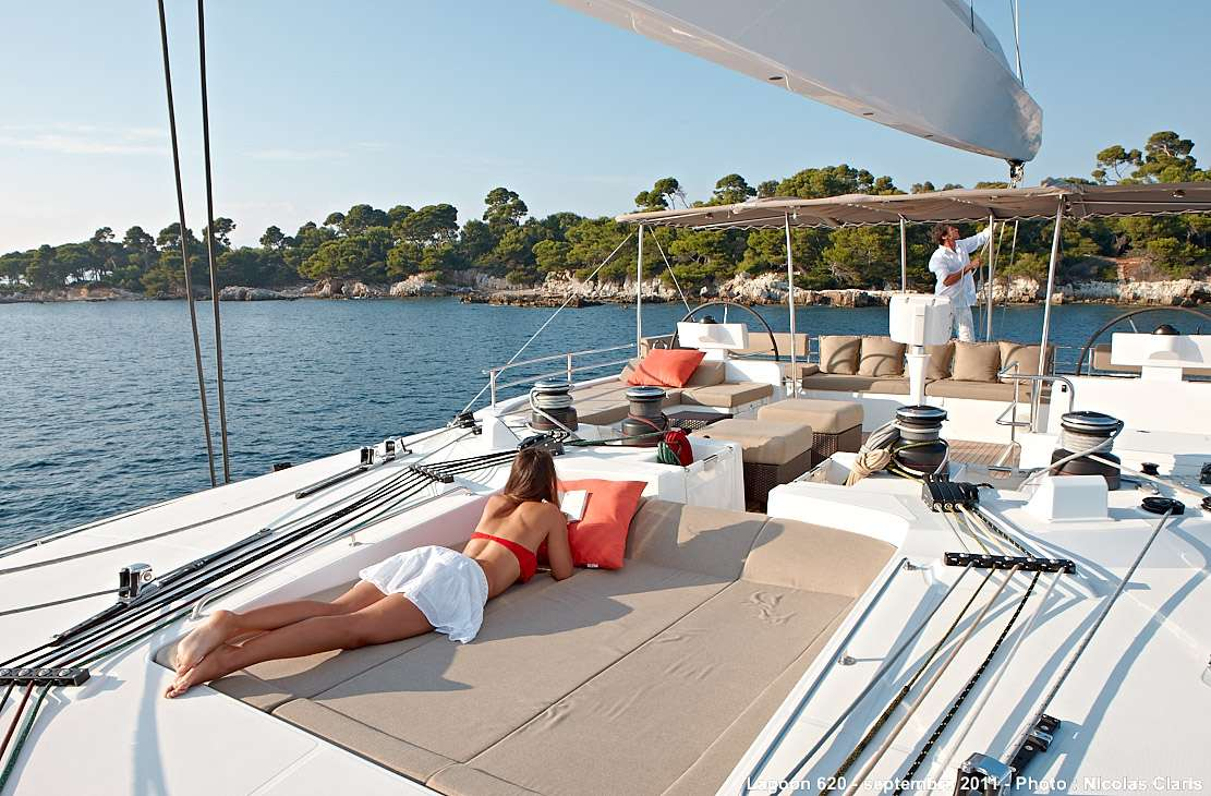 Sun deck (flybridge)