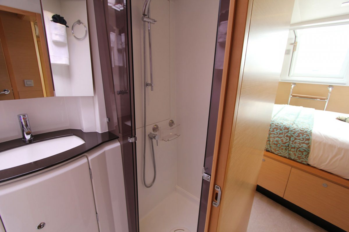 One of 4 guest private baths