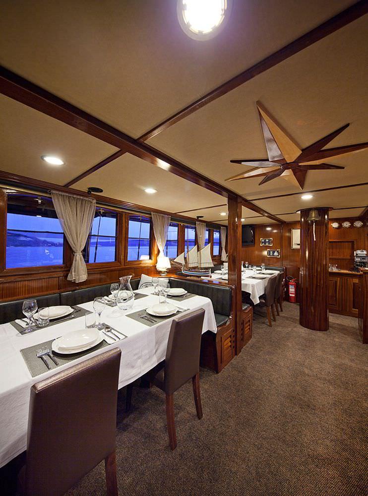 Dining area - salon