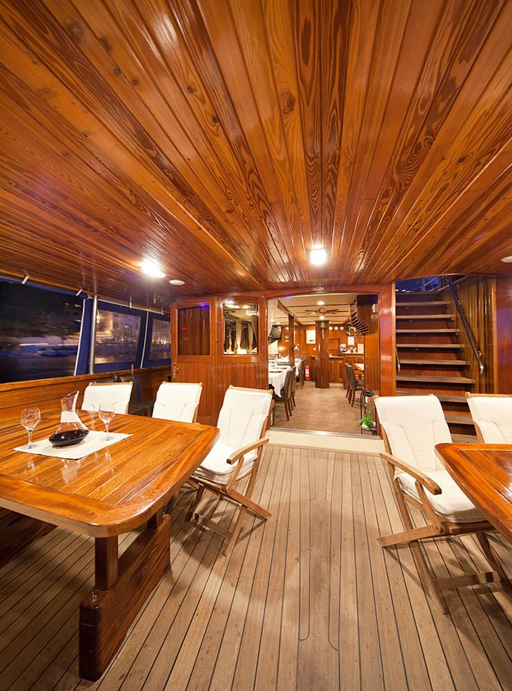 Aft dining area - main deck