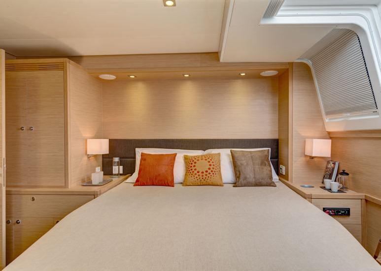 Port aft guest suite