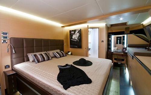 Catamaran Charter Ipharra