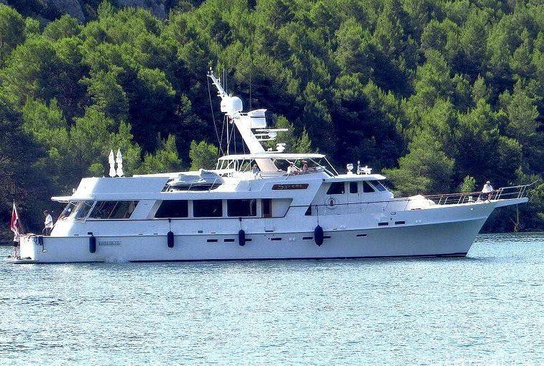 Syrene at anchor