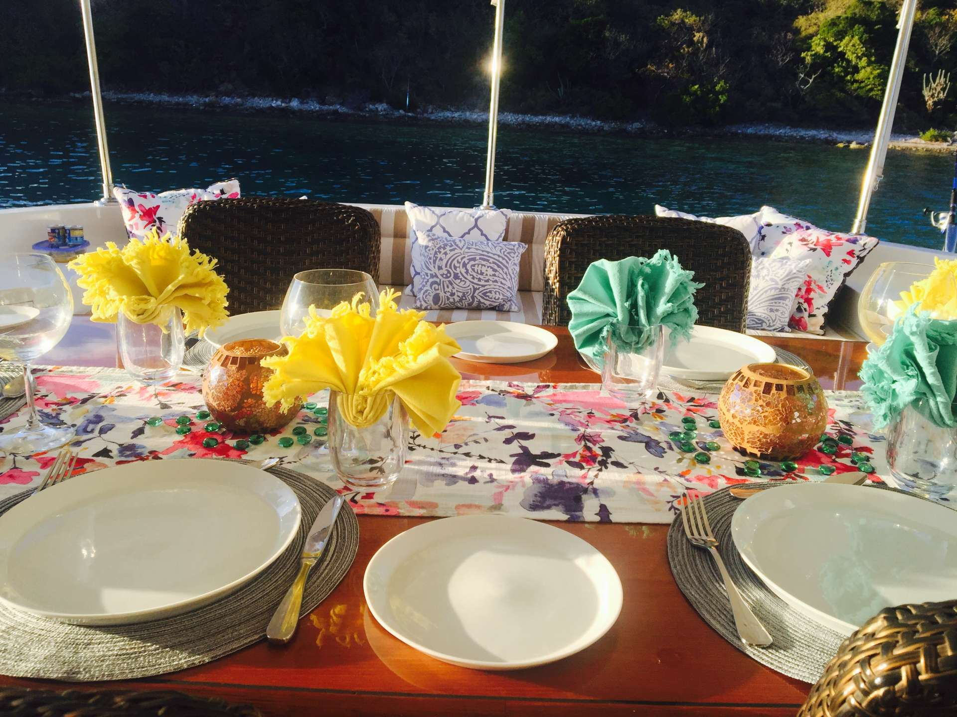 Table setting at Norman Island