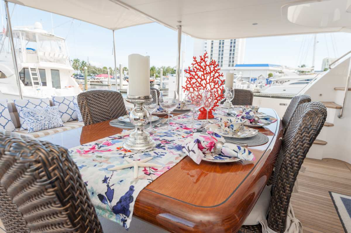 Alfresco dining on the covered aft deck