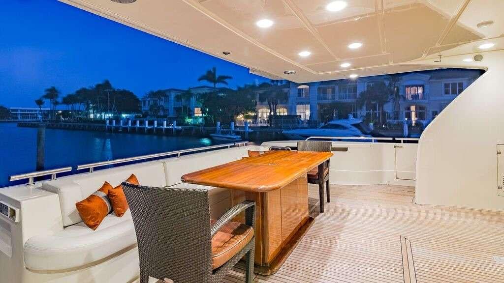 motor yacht 80´Ferretti