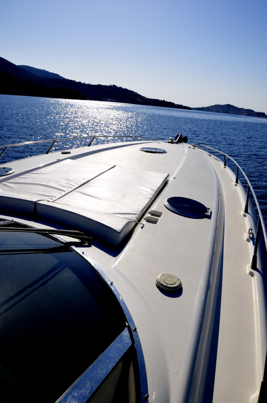 Spacious Bow deck for sunbathing and fun!