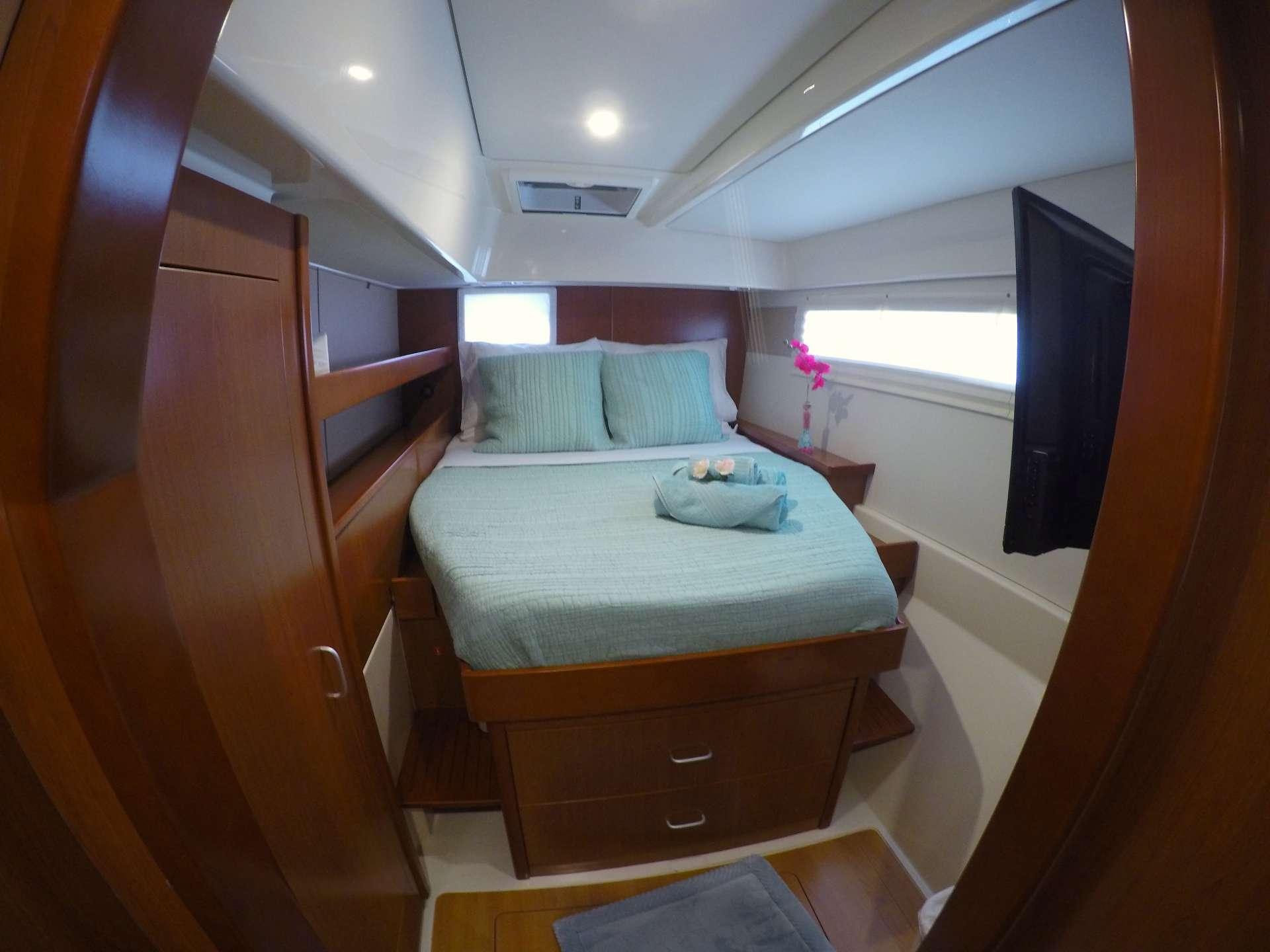 VIP queen guest suite