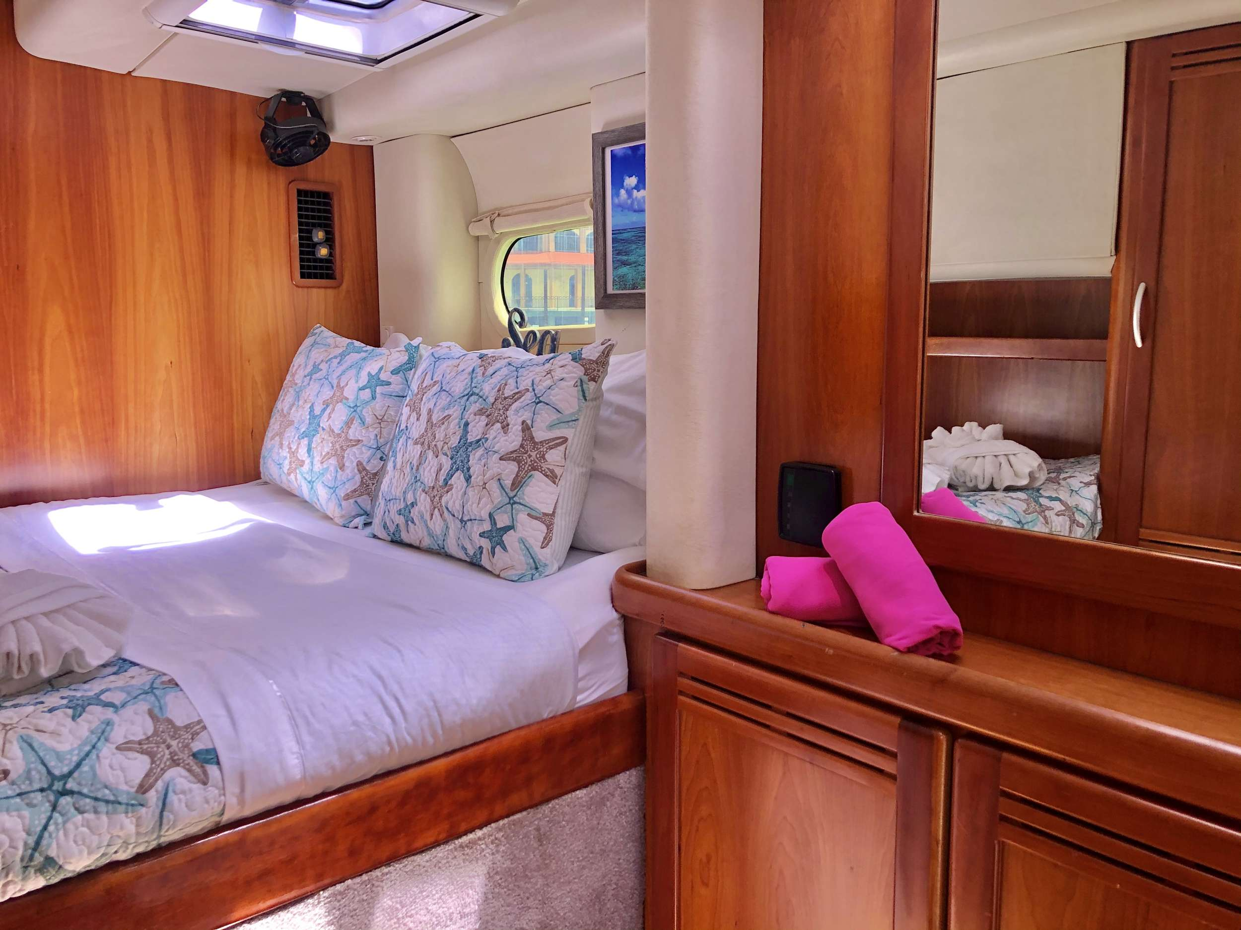 Stern with easy access steps
