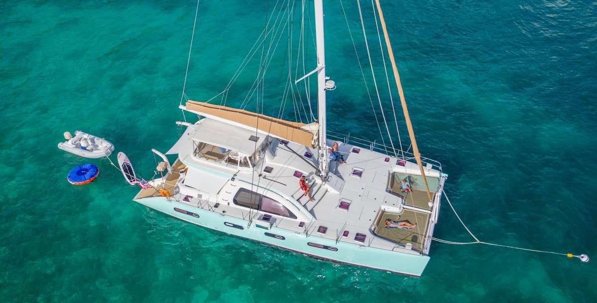 Catamaran Charter Good Vibrations L62