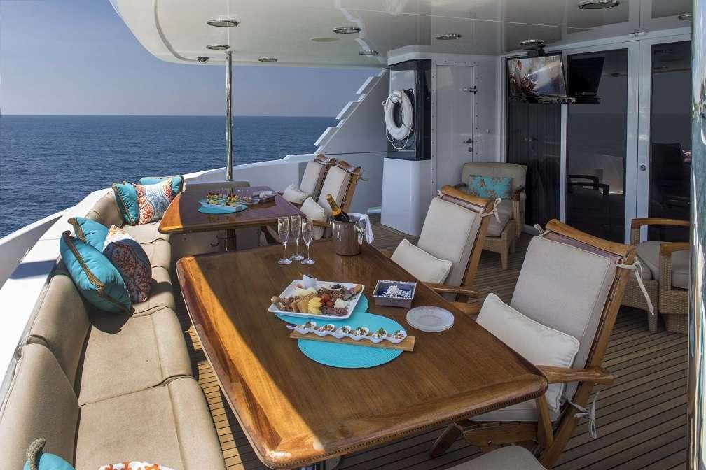 motor yacht SEA DREAMS