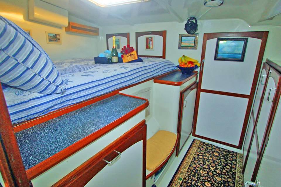 Starboard Queen stateroom alt view