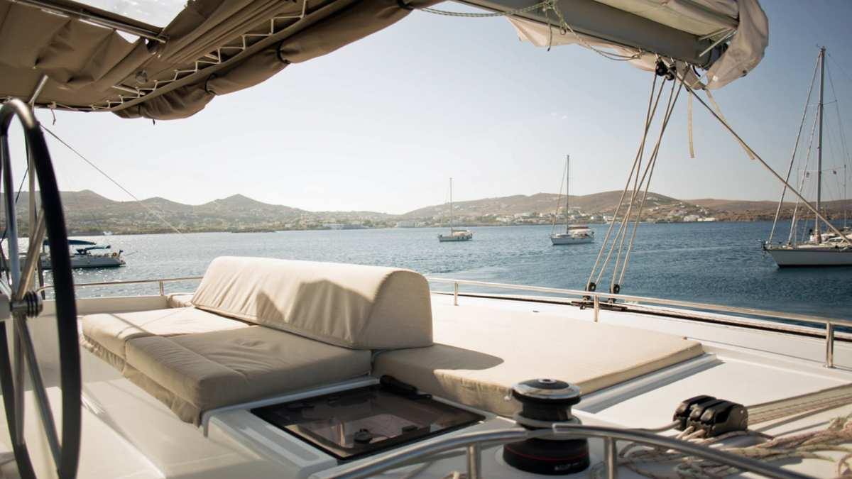 Catamaran Charter Kepi