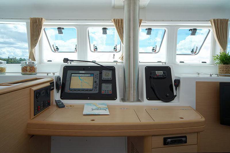 Catamaran Charter Azeta I