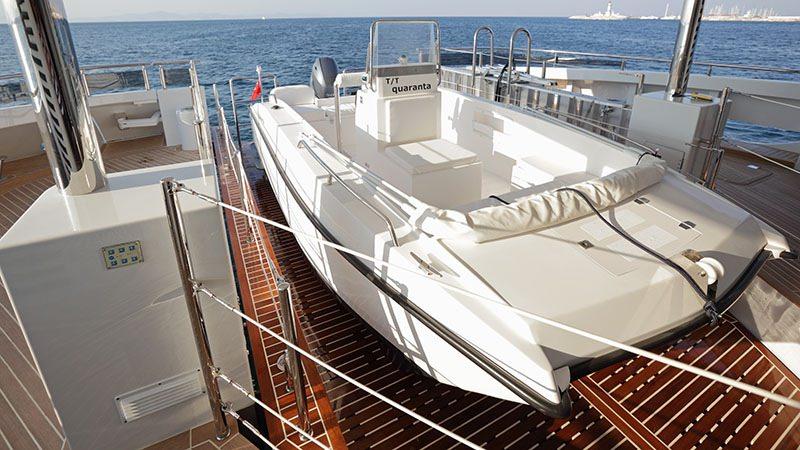 Catamaran Charter Quaranta