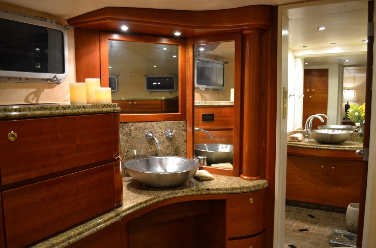 Master King Suite Bath