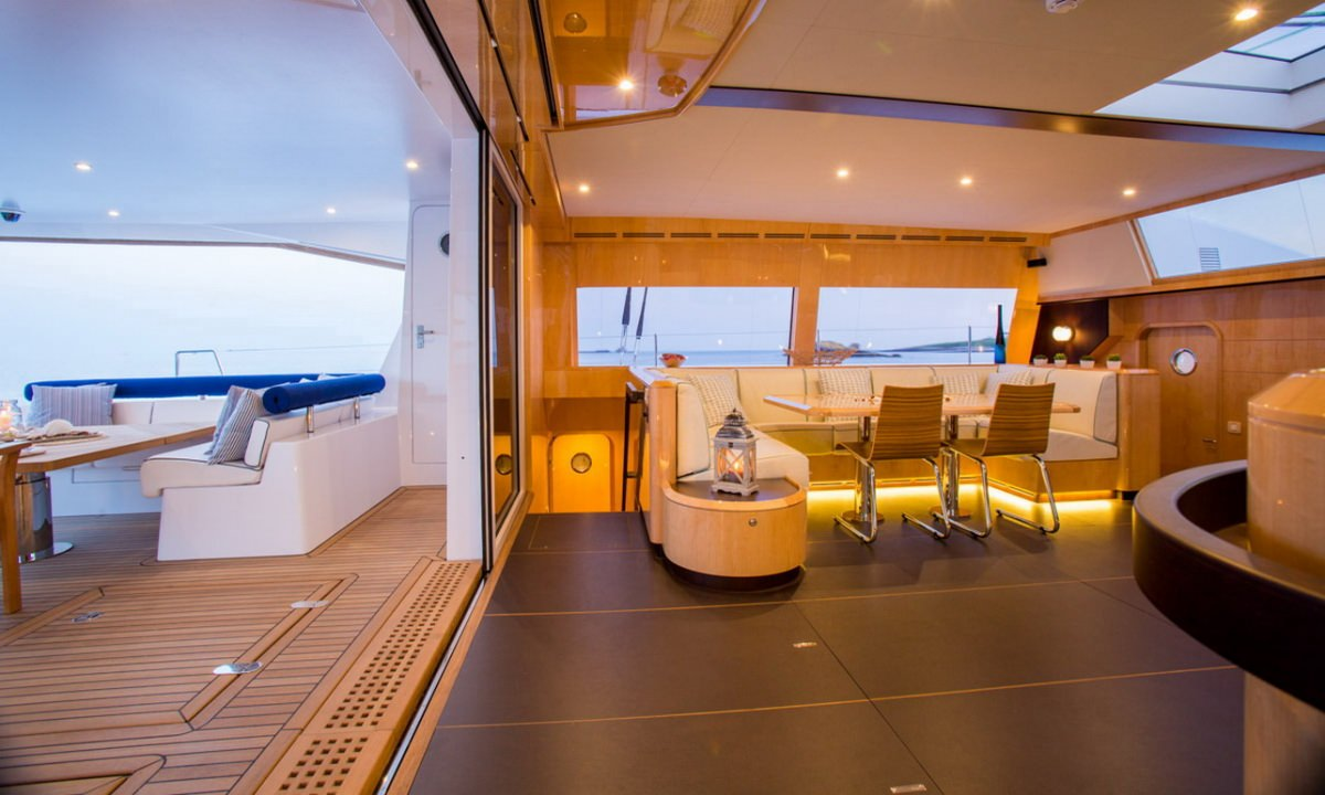 Living Room Opens to Aft Deck
