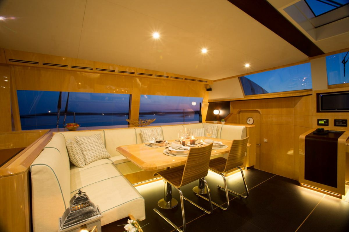 Yacht charter Windquest