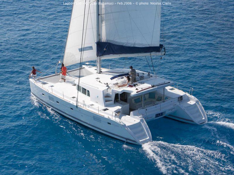 Sailing (aft view)