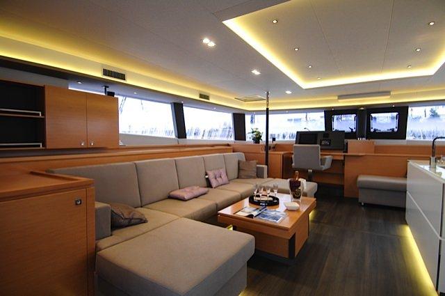Catamaran Charter Magec