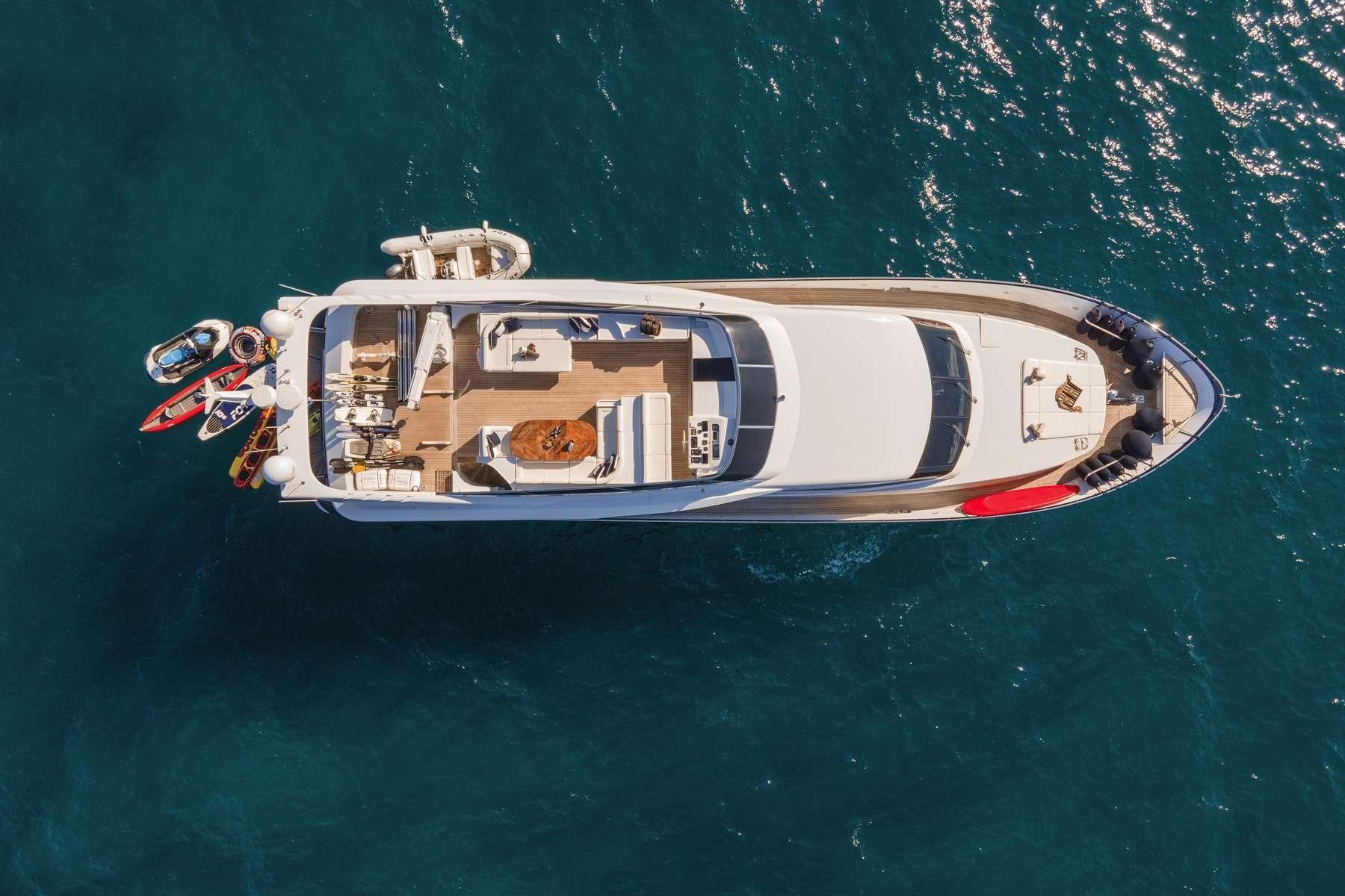 motor yacht ZOI