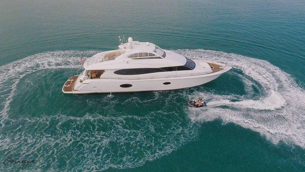 motor yacht CHIP