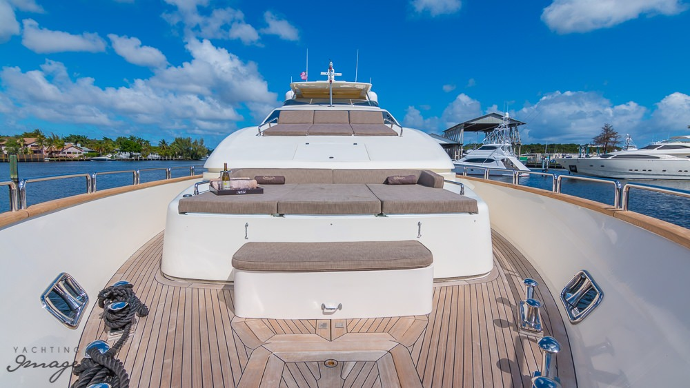 motor yacht BABIECA