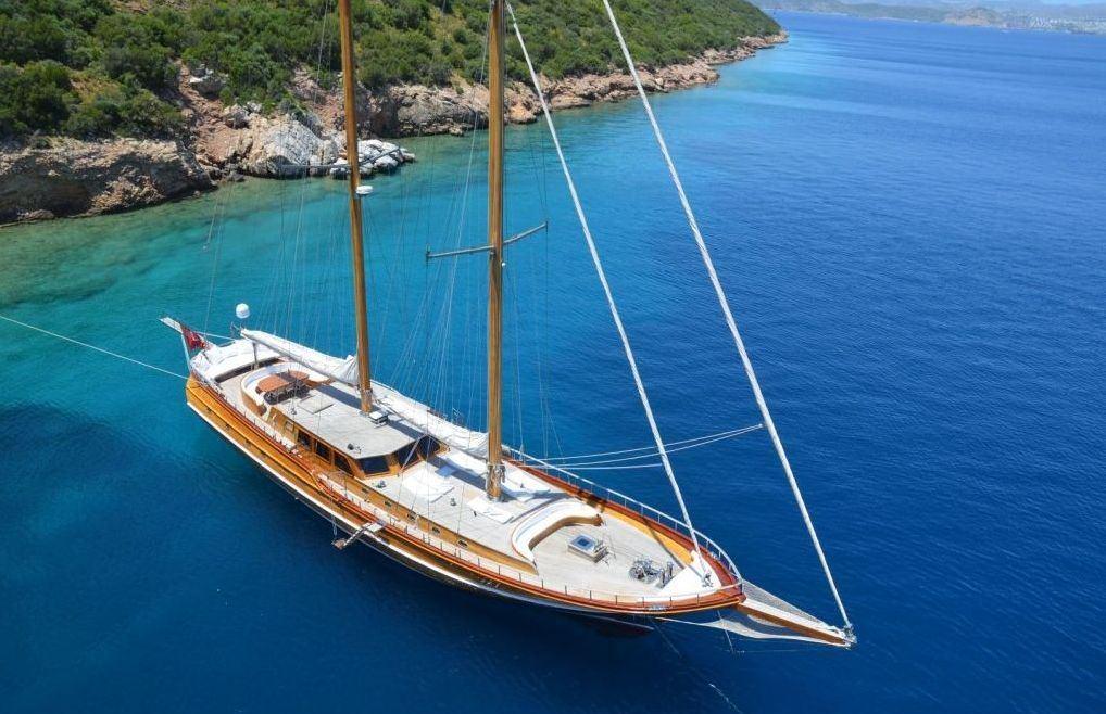 eylul deniz ii crewed gulet motor sailing yacht charter