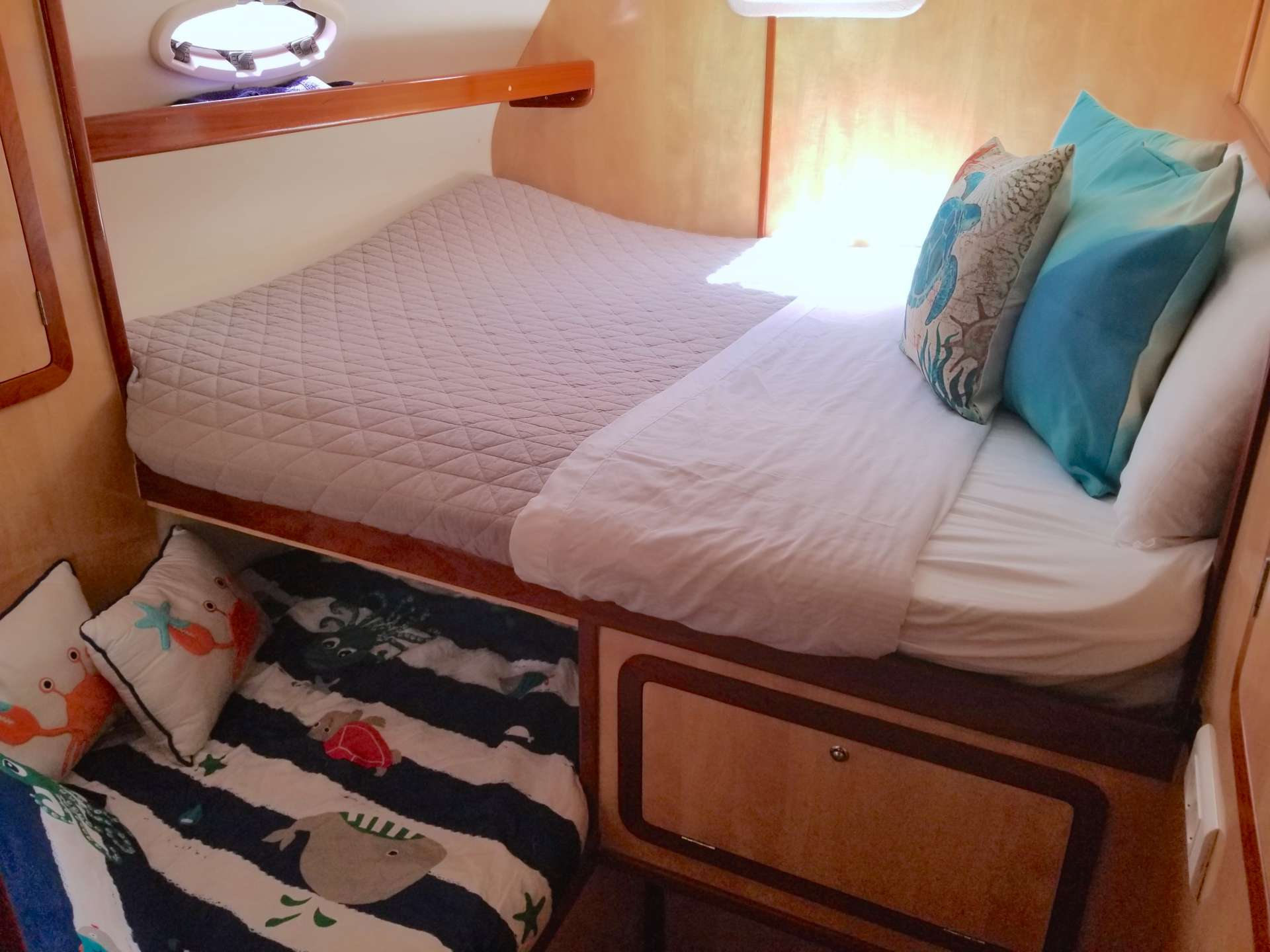 2 Queen Cabins with single bunk