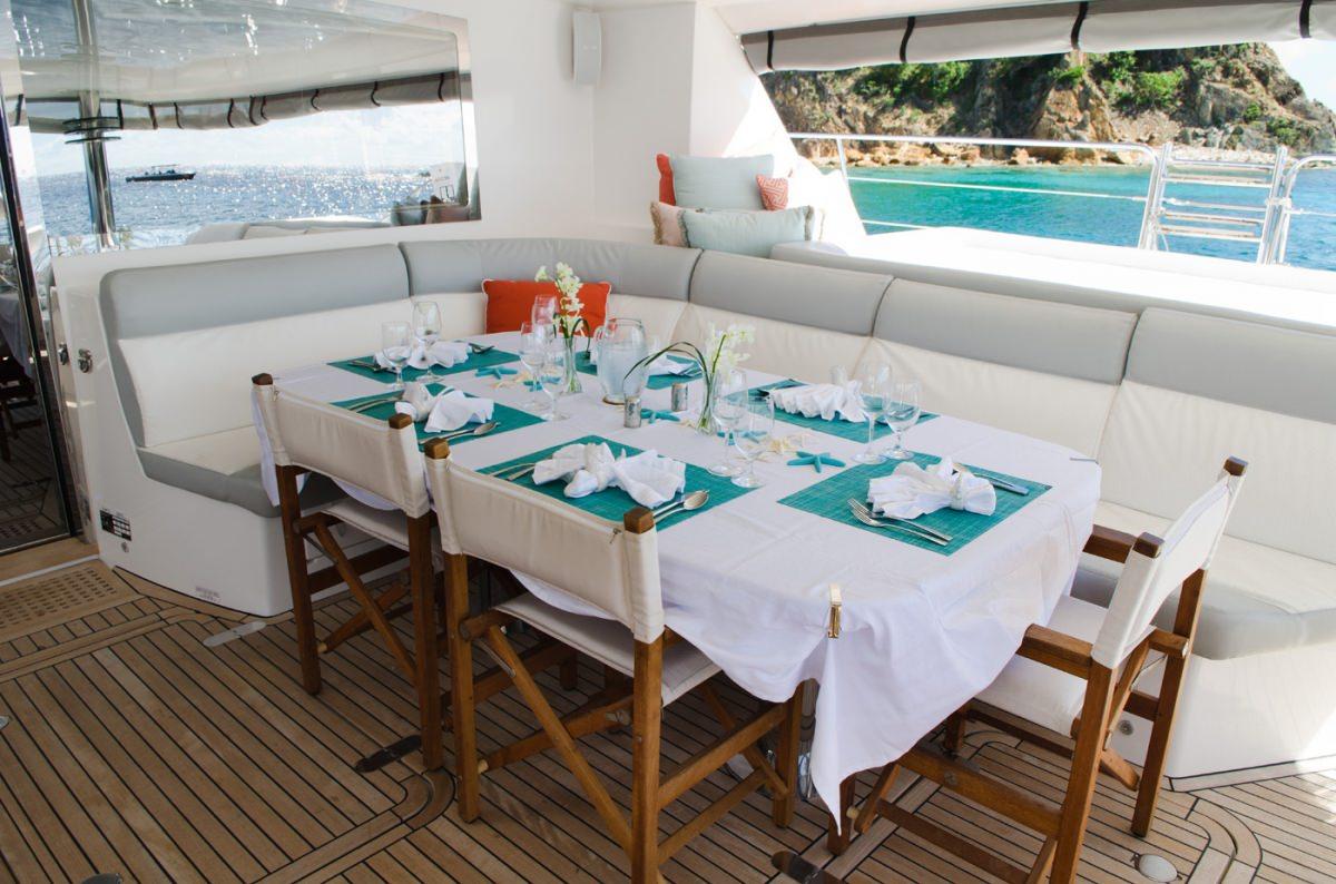 Alfresco dining
