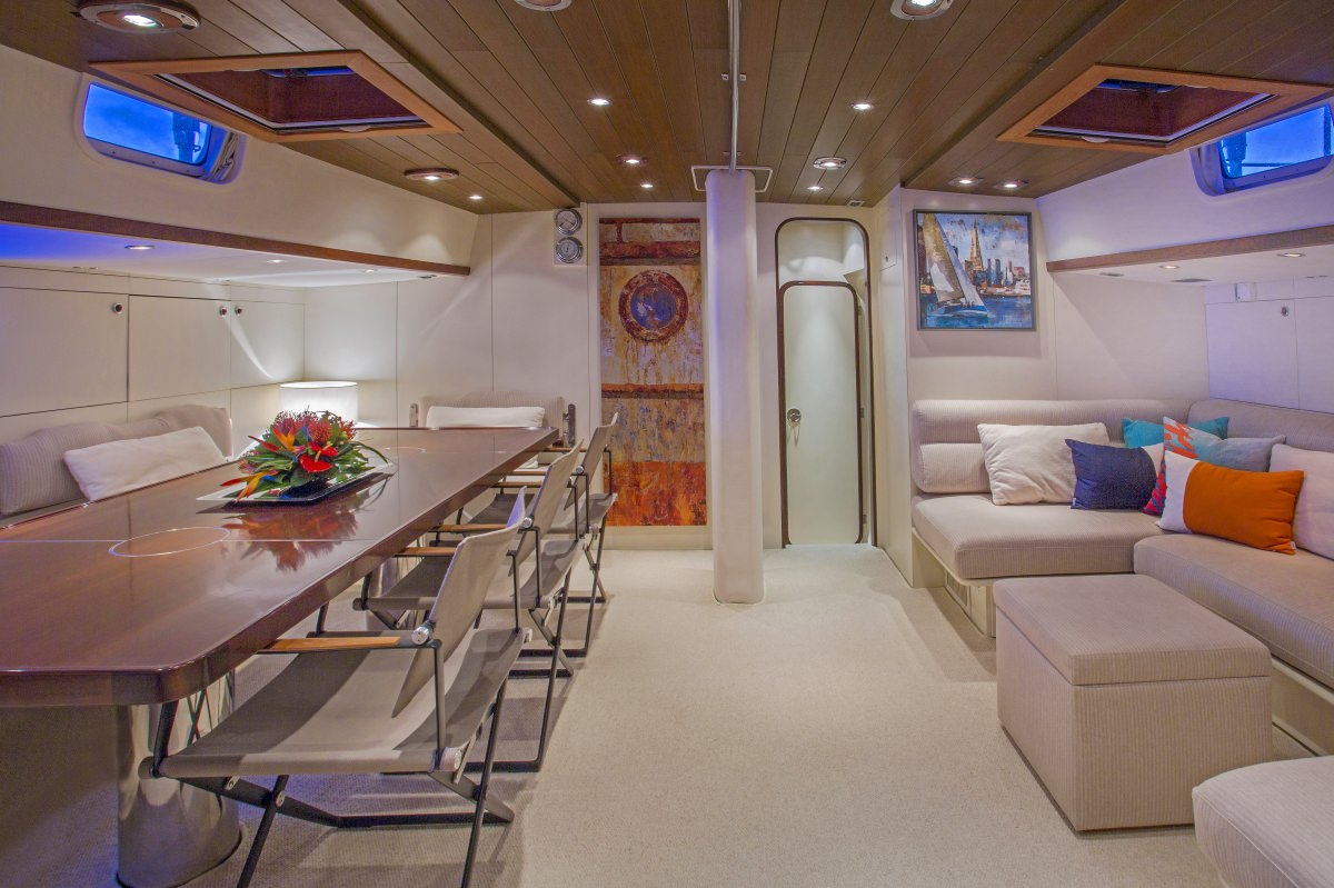 Jupiter yacht charter monohull ritzy charters for A suite salon jupiter