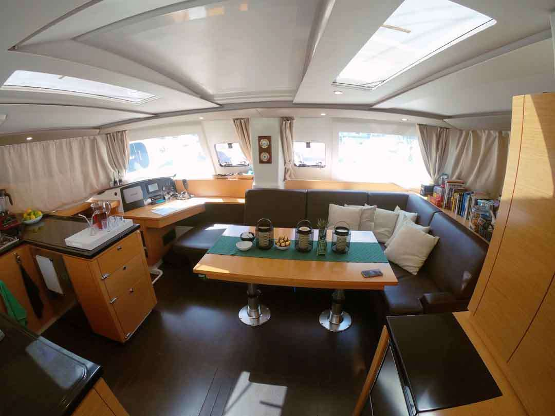 DOLPHIN SPLASH yacht image # 2