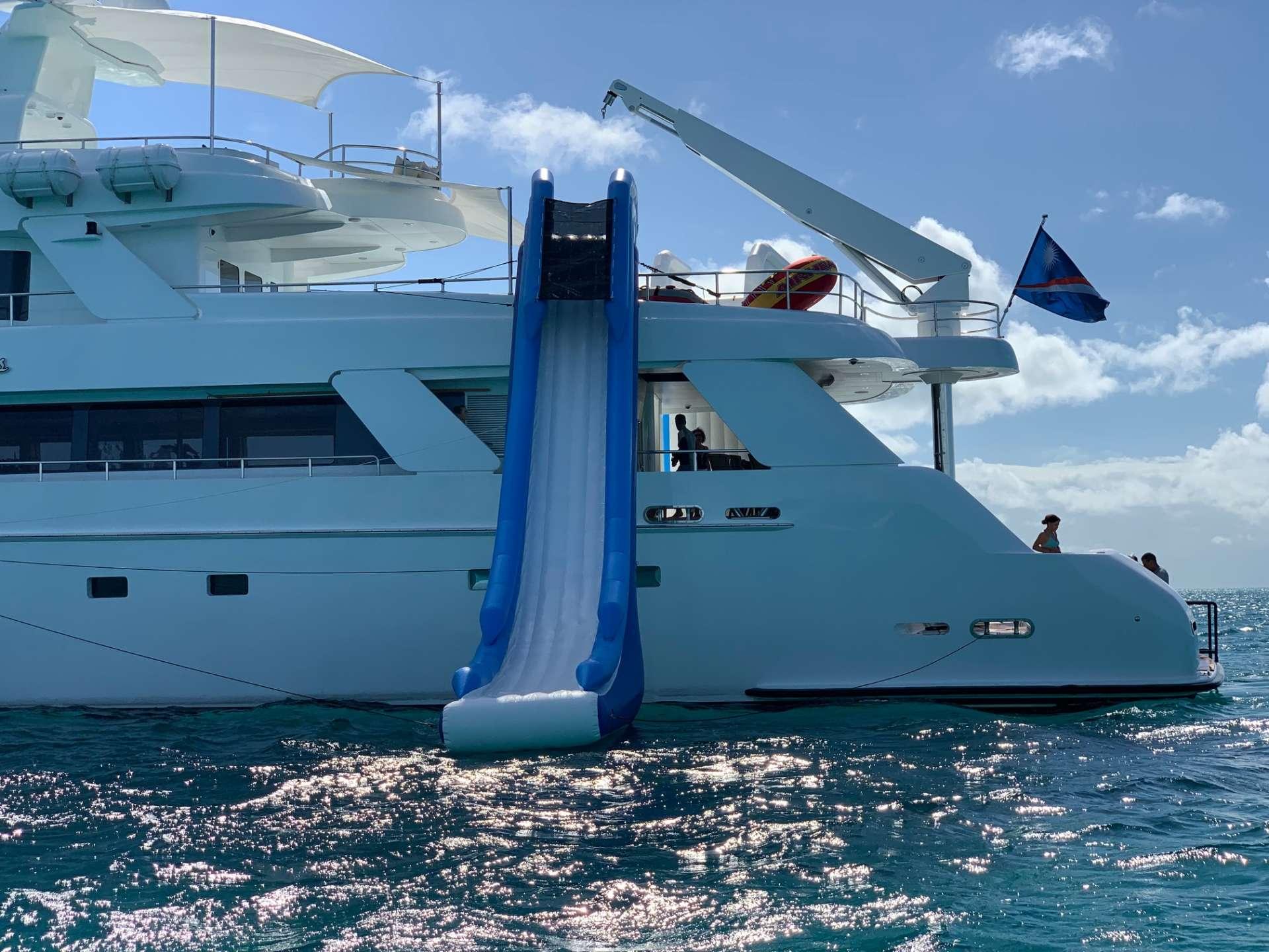 motor yacht ISLAND HEIRESS