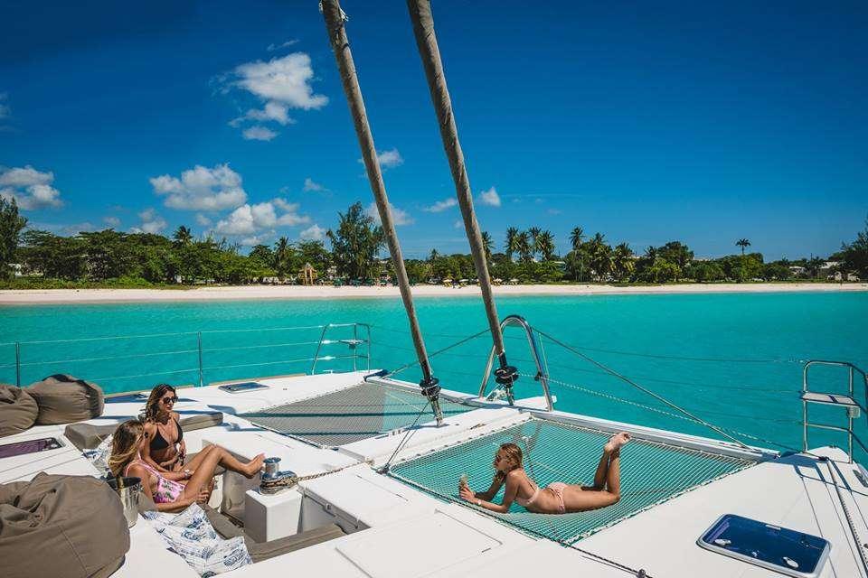 Catamaran Charter Amazing Blues