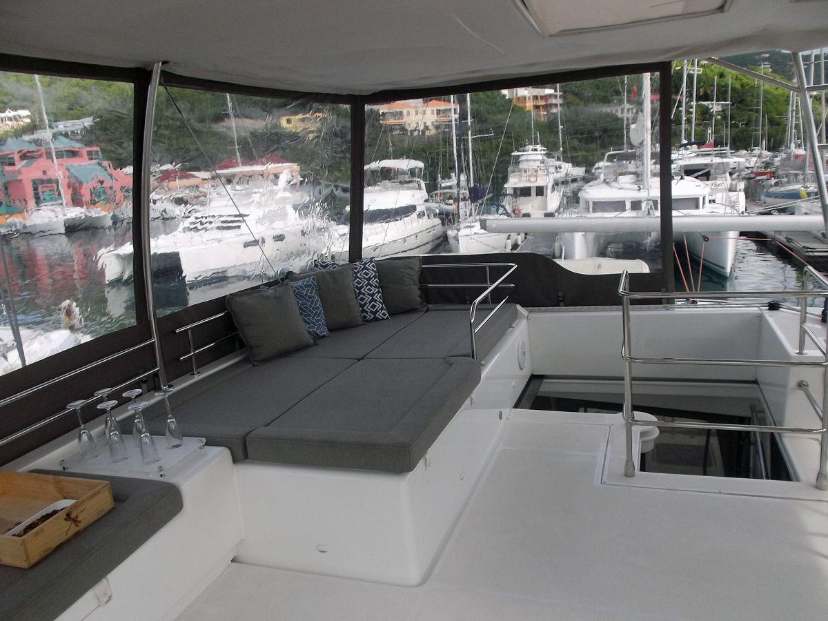 Catamaran Charter Cool Runnings Iv