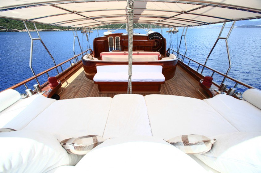Aft Deck Seating