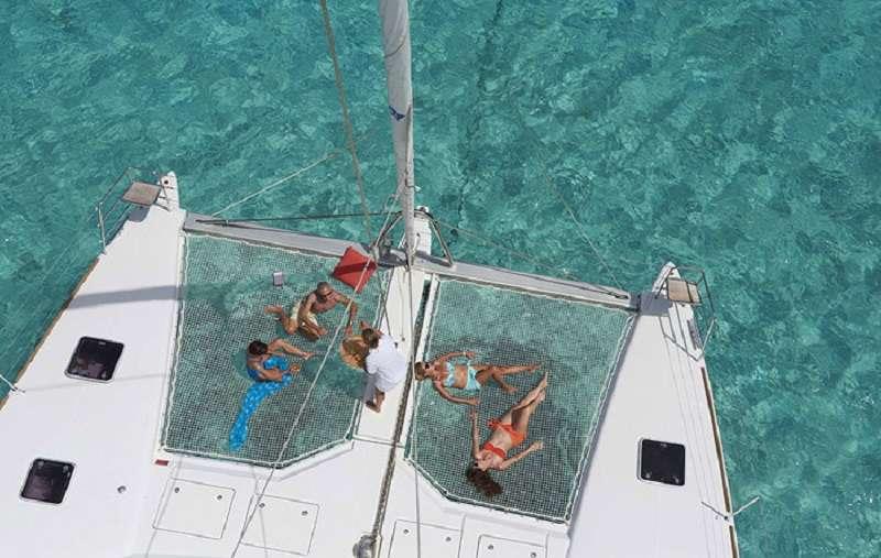 Catamaran Charter Aquatopia