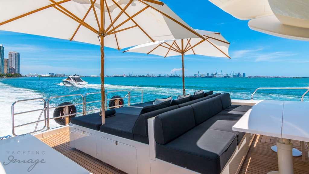 motor yacht FRIDAY