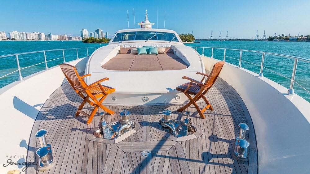 Yacht Crew Luxembourg: ECJ LUX Yacht Charter Motor Boat