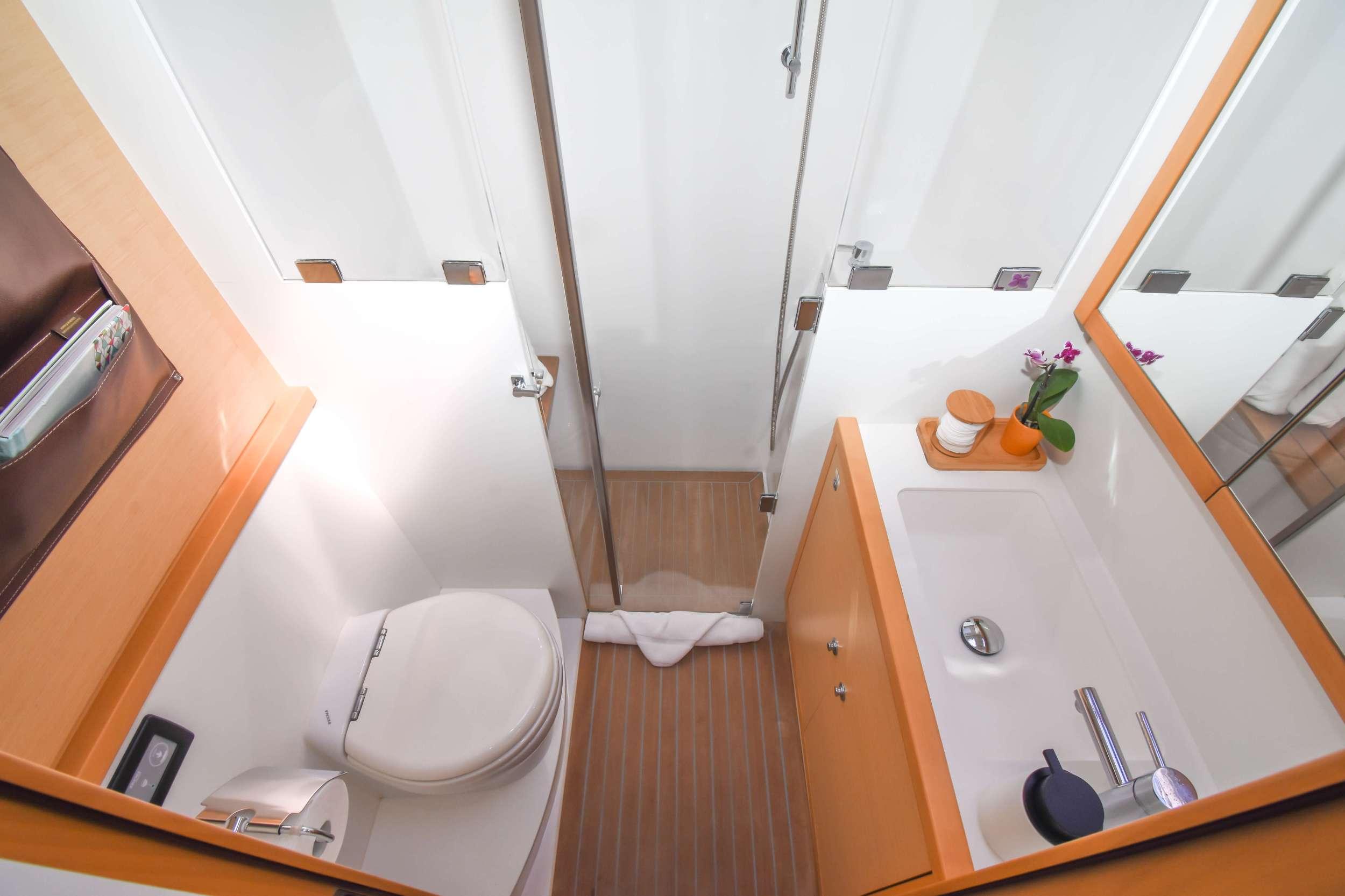 Catamaran Charter Altesse