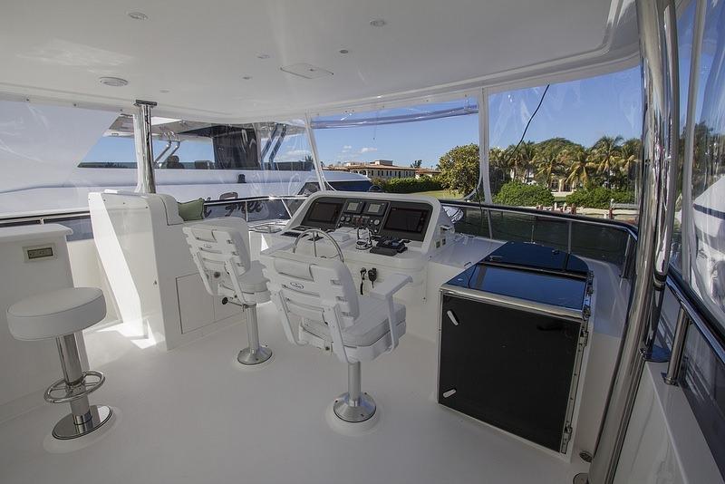 motor yacht IRRESISTIBLE