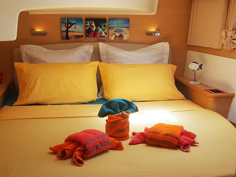 Aft guest suite