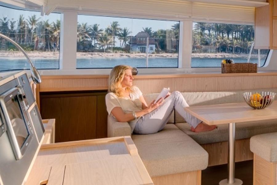Yacht charter Summertime