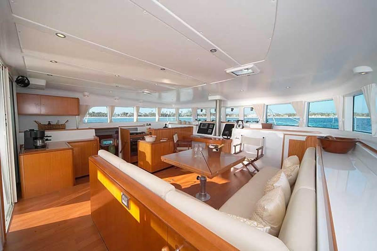 Yacht charter Italycat